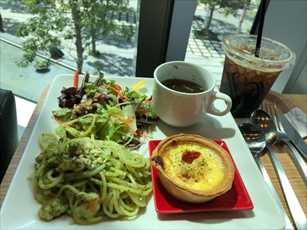 lunch_R.jpg